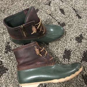 SPERRY LEATHER DUCK BOOTS!