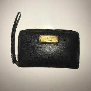 Marc Jacobs Classic Q Wingman Leather Wallet