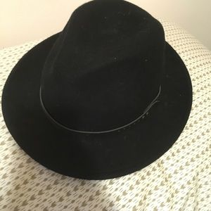 Urban outfitters black hat
