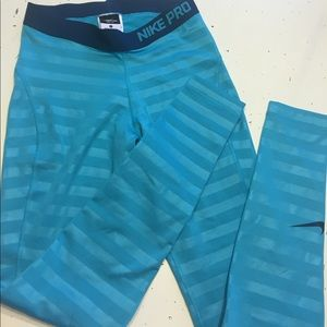 Nike pro cold weather tights Aqua stripe small