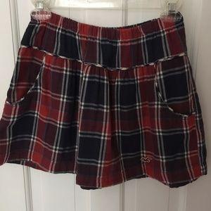 Hollister Plaid Mini-Skirt with Pockets (NWOT)