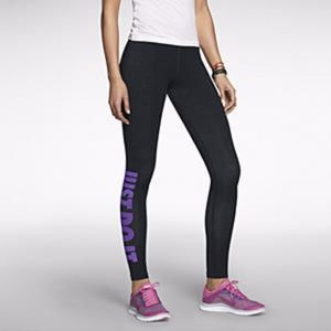 Nike Leg-A-See JDI Leggings in Purple/Black