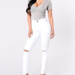White fashinova jeans
