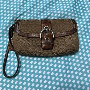 Coach wristlet clutch brown buckle