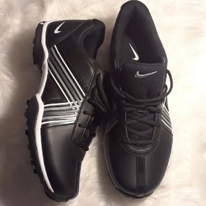 Nike Women's Traction At Contact Golf Shoes