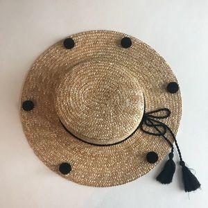 Forever 21 Pom Pom boater hat