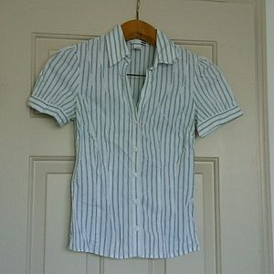 H&M White w/Blue Striped Button Down SS Shirt