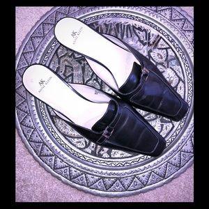 Black Leather Anne Klein Mules Sz 8