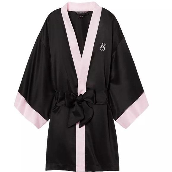 e08d5a35c8 Victoria s Secret BlackPink Trim Kimono Satin Robe
