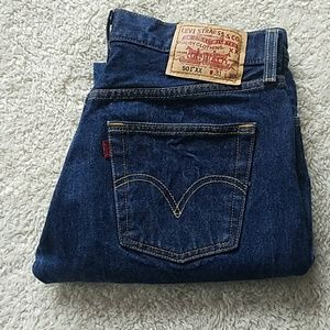 💙HP💙LEVI'S 501 BUTTONFLY JEANS