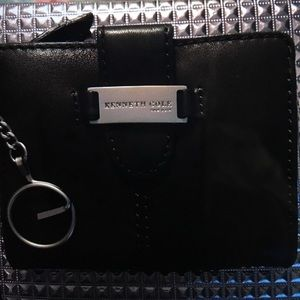 KENNETH COLE SMALL BROWN WALLET