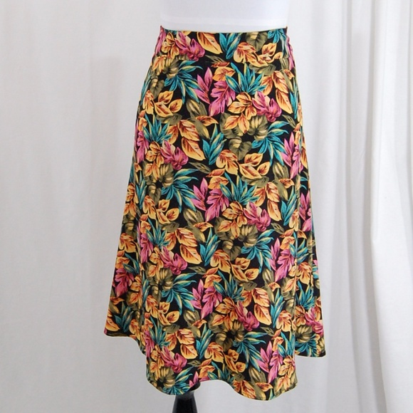 Sag Harbor Dresses & Skirts - A-line Floral Lightweight Skirt