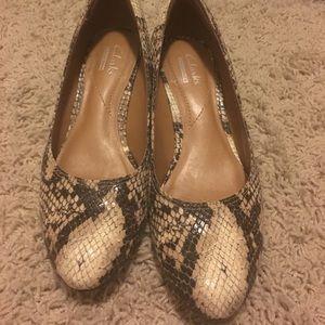 Clarks snakeskin shoes size 6