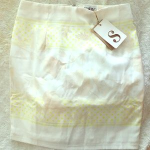 Beautiful high waisted pencil skirt!