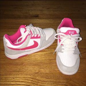 Nike Morgan Sneakers