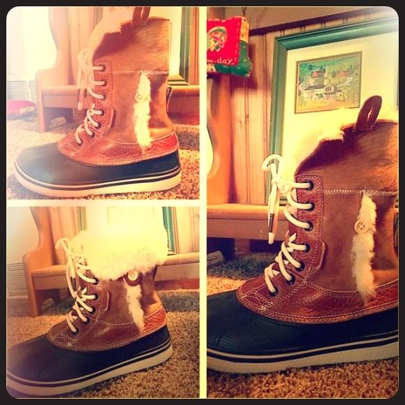 6cc7446f6 CROCS Shoes - Fur trimmed Duck Boots