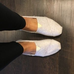 Toms Grey Flannel Sherpa Lined Shoes