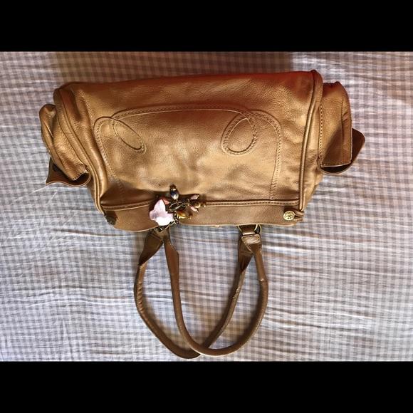 0a185ce981 ... leather bag. Matthew Williamson. M_59e933887fab3a5101006e9b.  M_59e9338a13302a120a006ad4. M_59e933887fab3a5101006e9b;  M_59e9338a13302a120a006ad4
