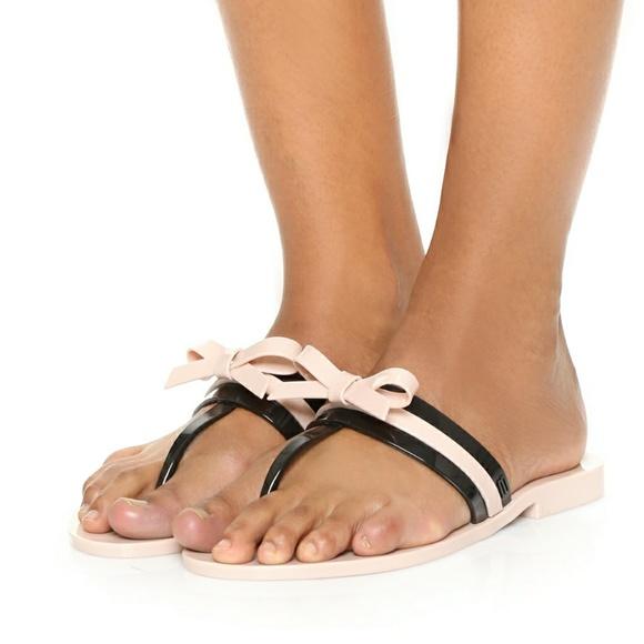 2a2f75d069ac6b Melissa Garota Bow Thong Plastic Sandals. M 59f18372713fdee7c602ac1f