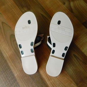 43e6059043f017 Melissa Shoes -   Melissa Garota Bow Thong Plastic Sandals