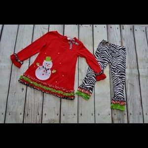 Super cute Snowman top with matching bottoms