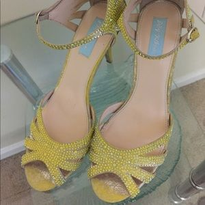 BETSEY JOHNSON Yellow Leather Ankle Strap Sandal