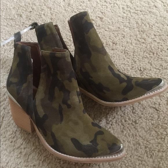 8fb56ba72c3 Jeffrey Campbell Shoes - Jeffrey Campbell Camo Booties