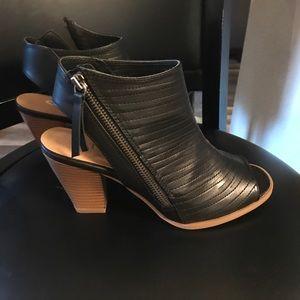 Chinese Laundry Runway Black Burnished Heels