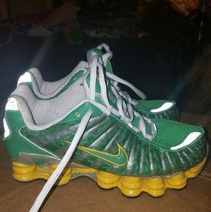 Like new Womens green/yellow nike shox sneakers