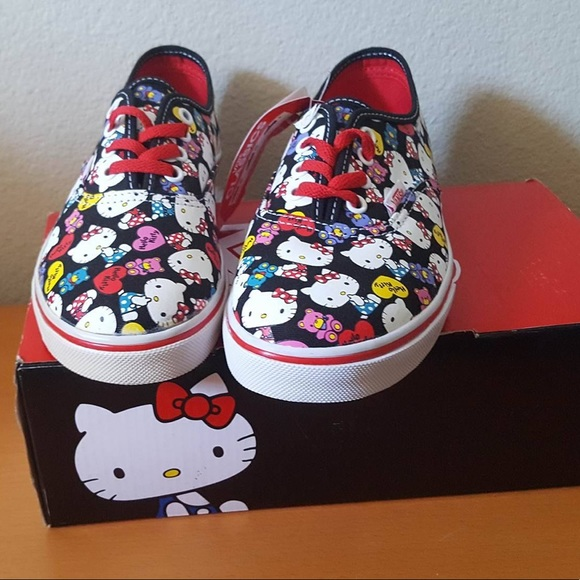 aba23a5286 NEW Hello Kitty X Vans Collabo  Authentic Lo Pro