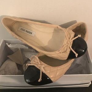 Steve Madden flats, Black and Tan