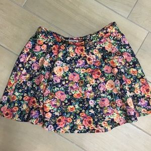 Floral flowy fun flirty skirt