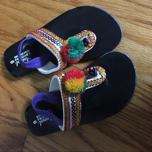 Other - Girls ethnic style Embroidered flip flop