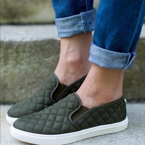 e668ed400 Steve Madden Shoes | New Ecentq Slip Ons Size 7 | Poshmark