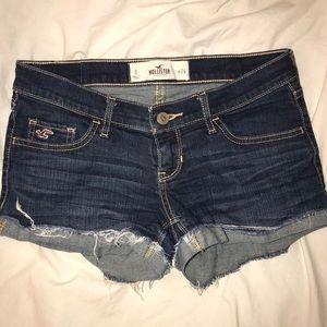 Hollister dark wash shortie denim shorts