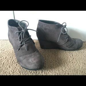 Dream Pairs Grey Low Wedge Heel Booties Women's 9