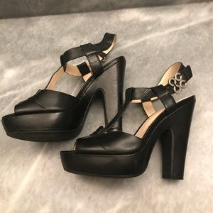 Coach Kourtney sandals size 5.5 black leather