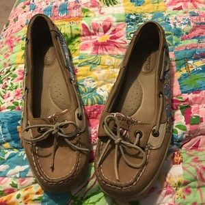 Sperry patterned flats. Size 7.