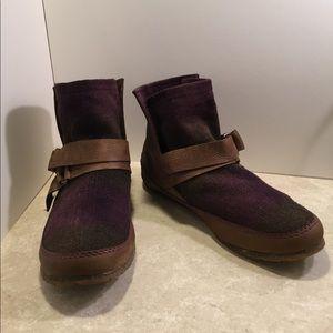Sorel Yaquina Blanket leather Booties purple