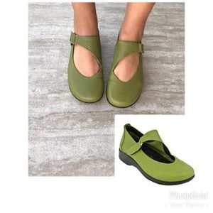 Arcopedico Ellery Green Strap On Shoes
