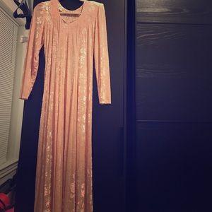 Beautiful velvet dress new $20