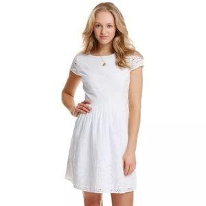 NWT Vineyard Vines White Eyelet Fit Flare Dress 10