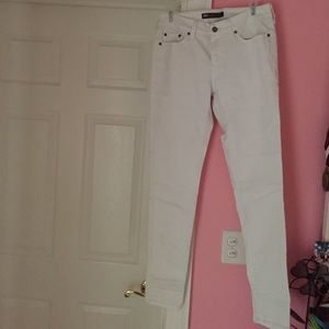 White Levi's Legging Jeans