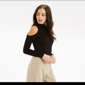 Tops - Turtleneck cut shoulder off