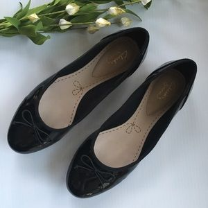 Clarks Patent Leather Shoes Women's Size 8.5