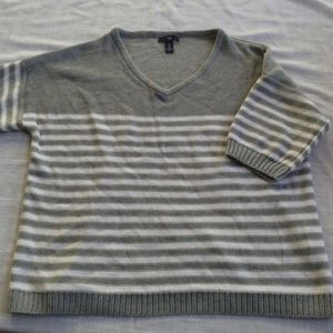 GAP Gray & White Stripe Sweater Short Sleeve