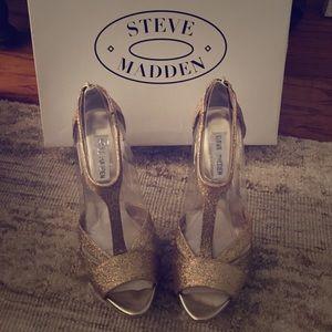Steve Madden Haylow Gold Glitter Heels