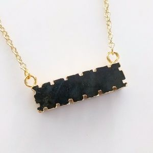 Jewelry - Gold-plated labradorite notched bar necklace