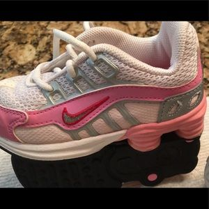 Nike toddler  size 6 c  used clean hardly worn
