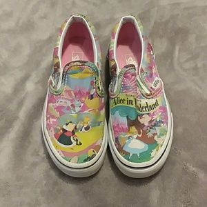 Disney Alice and Wonderland girls size 13 Vans